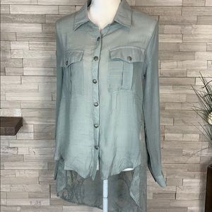 BKE Gimmicks NWT Sage Green Small High/Low Shirt